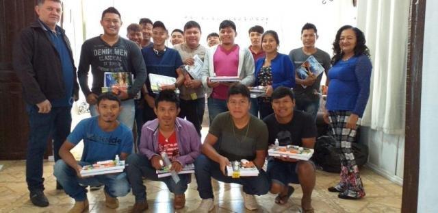O projeto forma professores indígenas de diversas etnias de Rondônia - Gente de Opinião