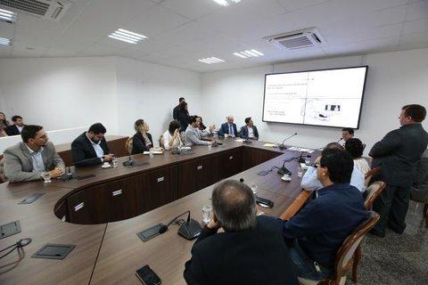 Comissão recebe o secretário de Estado da Saúde, que explica ações da pasta