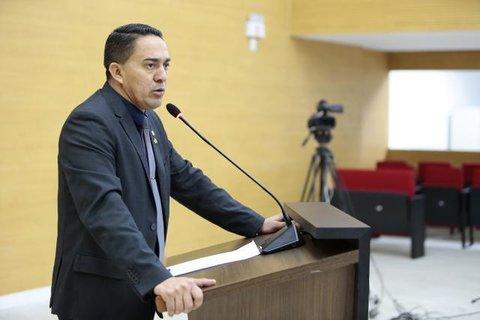Deputado Eyder Brasil sai em defesa da Sedam e da Polícia Ambiental