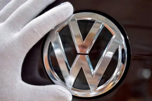 Logomarca da Volkswagen / Foto Matthias Rietschel/Reuters - Gente de Opinião