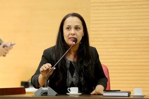 Deputada Rosângela Donadon teve celular e redes sociais invadidas
