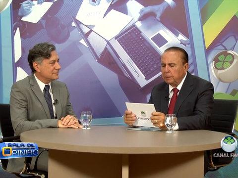 Dr. Aparício Carvalho conversa com o médico psiquiatra Dr. Hélio Lauar