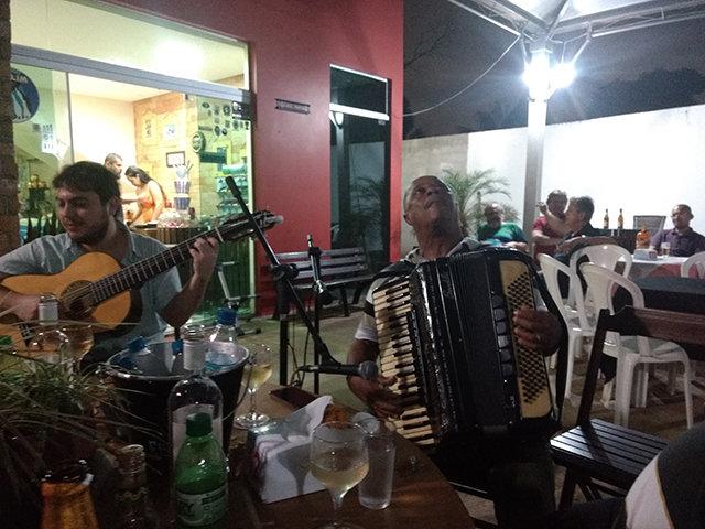 Um Show de Chorinho, com grandes músicos mineiros, no Buraco doCcandiru  - Gente de Opinião