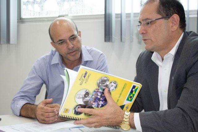 Deputado Ismael Crispim apoia o projeto Educação para o Futuro - Gente de Opinião