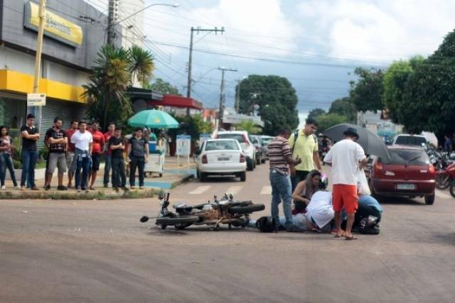 Acidente de trânsito na Calama com Salgado Filho, via é sinalizada com semáforo, placas e faixas de pedestres - Gente de Opinião