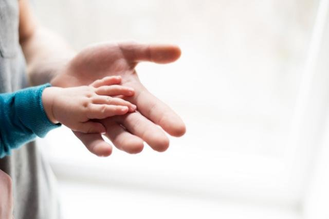 Direito da criança à convivência com os pais, mesmo quando estes estão presos - Gente de Opinião