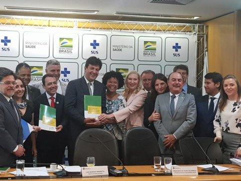 Sílvia cobra ação mais efetiva do Ministério da Saúde na prevenção contra o cânce
