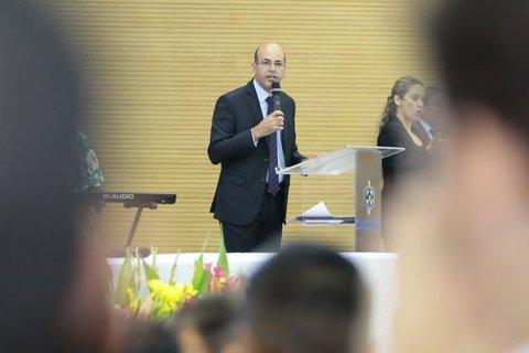 Deputado Ismael Crispin visita escolas e convida alunos para participar dos concursos de redação e da escolha da Bandeira da Assembleia Legislativa
