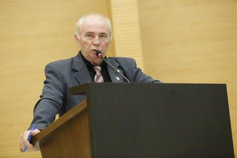 Lebrão pede a obrigatoriedade da presença de psicólogos em escolas públicas em Rondônia