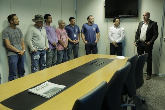 A turma que é responsável pela manutenção do Palácio Rio Madeira participou recentemente do curso de Jardinagem e Adubagem - Gente de Opinião