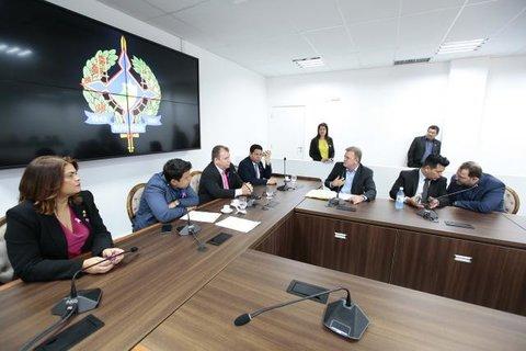 Comissão de Saúde distribui projetos e convoca titular da Sesau para prestar esclarecimentos sobre inúmeros problemas