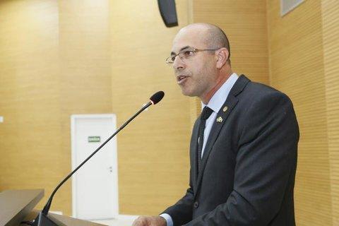 Deputado Ismael Crispin propõe debate sobre pesquisa cientifica e seu impacto