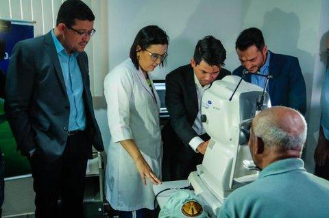 Governo de Rondônia entrega primeiro equipamento de tomografia ocular da região Norte
