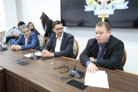 Deputado Dr. Neidson denúncia operações em portos clandestinos em Guajará-Mirim