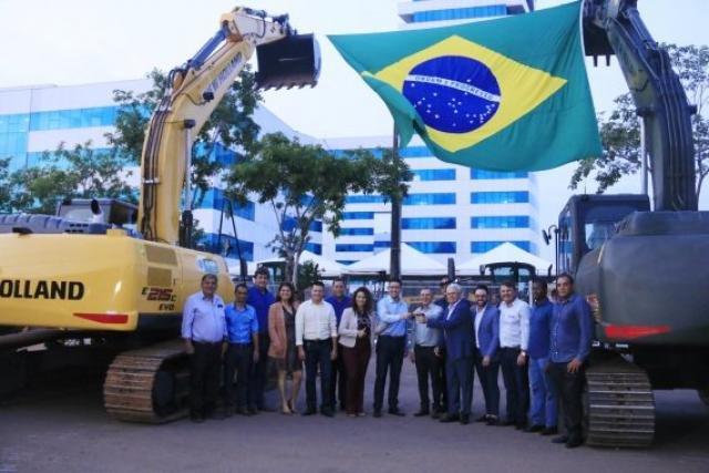 Durante entrega de máquinas, governador destaca união dos Poderes para o crescimento do Estado - Gente de Opinião
