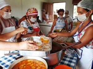 Doces em compota, pastoso, geleia, corte e cremoso estão sendo ensinados a mulheres da agricultura familiar em Ji-Paraná - Gente de Opinião