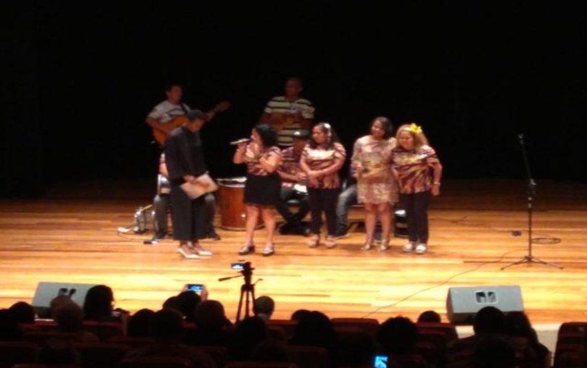 Lenha na Fogueira + Ernesto Melo ganha Concurso Samba de Quadra + Festival Do Mar do Caribe à Beira do Madeira