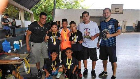 Chuva de gols marca torneio de integração entre escolinhas de futsal em Porto Velho