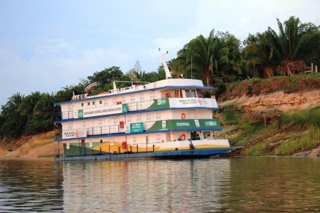 Barco Hospital leva vários serviços às comunidades ribeirinhas - Gente de Opinião