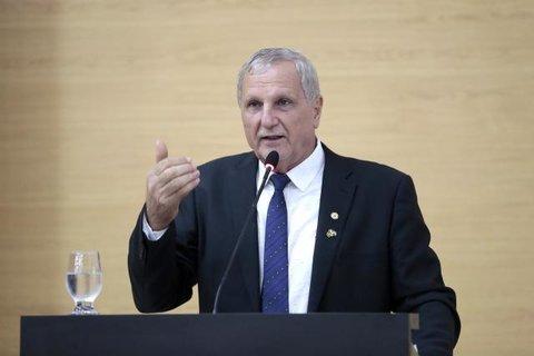 Adelino Follador parabeniza presidente Bolsonaro por obra na BR-319