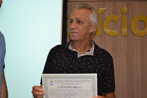 Após fazer ENEM pela 5ª seu João de 64 anos ganha bolsa de engenharia na FIMCA
