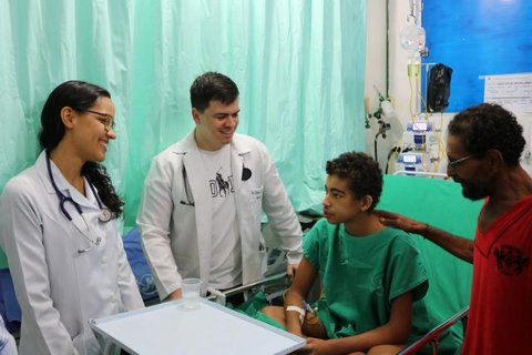 Caso raro de adolescente atendido no Pronto Socorro João Paulo II emociona profissionais de saúde