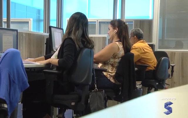 Governo do estado vai antecipar a segunda parcela do 13º salário - Gente de Opinião