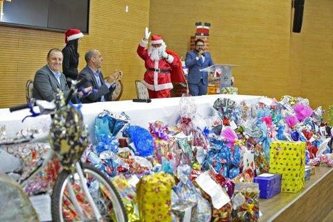 Servidores da Assembleia garantem sorriso de 550 crianças através da Campanha Papai Noel dos Correios