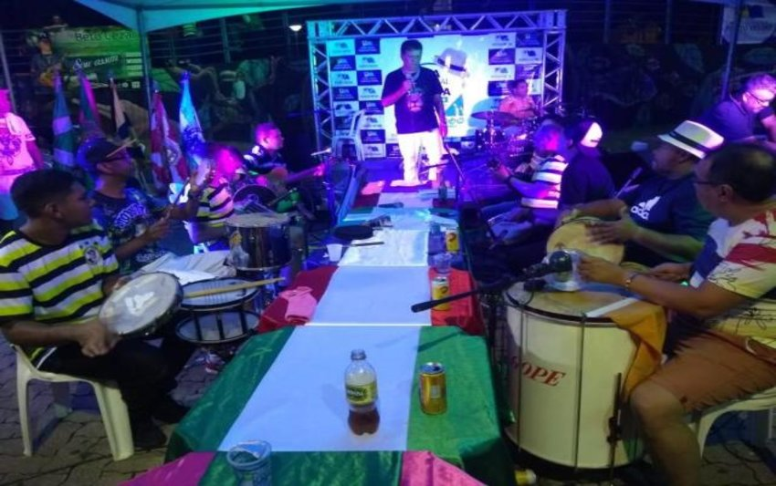 Lenha na Fogueira - Mercado Cultural recebe grande público  na festa do Dia do Samba