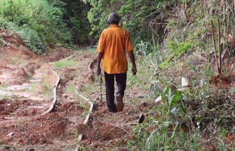 Trilhos da estrada de ferro foram danificados durante obra do Governo passado