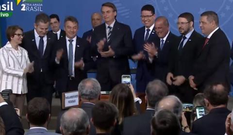 Importante conquista para Rondônia: Presidente Bolsonaro assina MP da Regularização Fundiária.