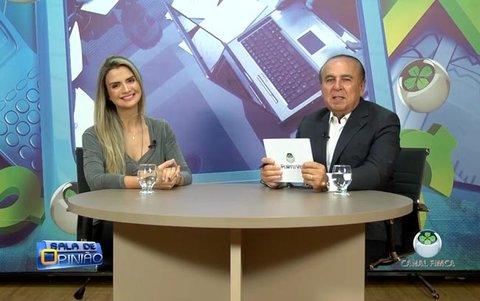 Dr. Aparício Carvalho conversa com Amanda Melo, mais conhecida como Amanda CSI