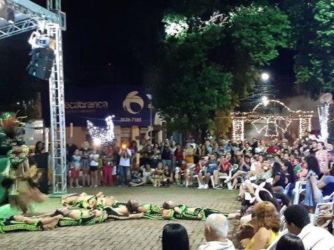 Cultura popular em praça pública de Porto Velho