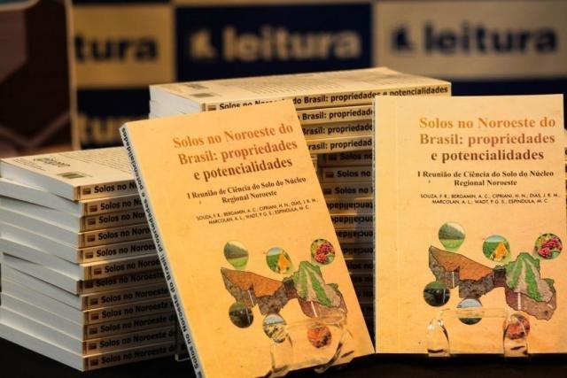 Livro escrito por autores da Embrapa apoiados por chamada da Fapero - Gente de Opinião