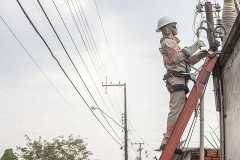 Parceria entre Energisa e Senai permite a requalificação de instrutores e modernização de laboratório em Rondônia