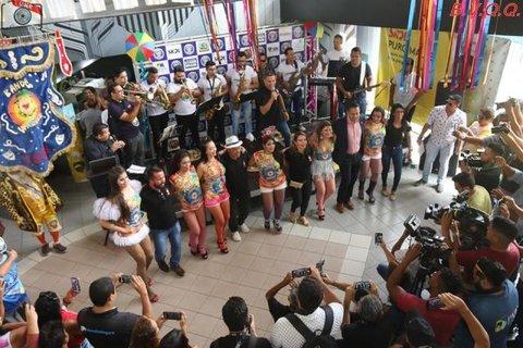 Lenha na Fogueira + Sucesso a festa de lançamento das  camisetas  40 anos da Banda