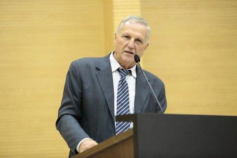 Deputado Follador denuncia inércia do Governo e possível cartelização dos frigoríficos