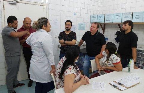 Dr. Neidson fiscaliza Hospital de Base Ary Pinheiro e constata falta de insumos